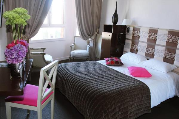 Comfort Twin Room with Partial Sea View