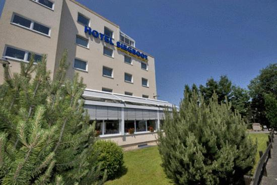 Hotel Pictures: Stadt-gut-Hotel Siegboot, Siegen