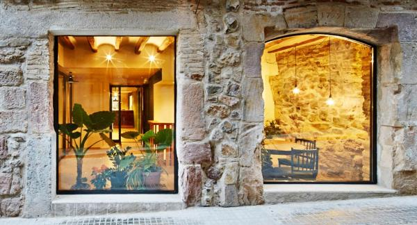 Hotel Pictures: Hotel Restaurant Lotus Priorat, Falset