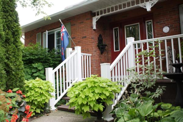 Hotel Pictures: Britaly Bed and Breakfast, Niagara on the Lake
