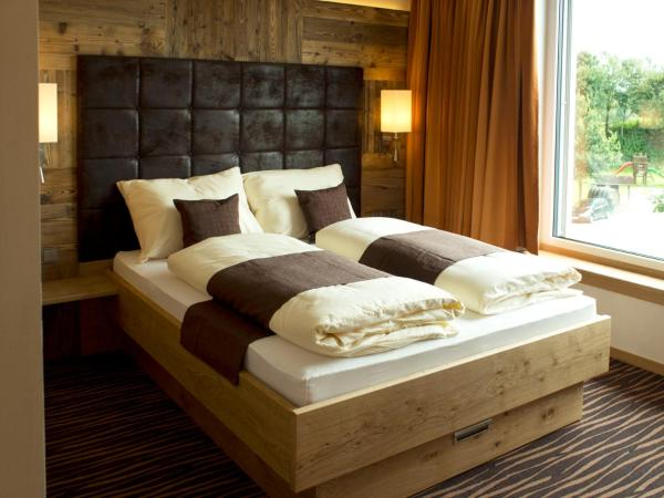 Hotel Pictures: Alpenflair Hotel, Buchloe