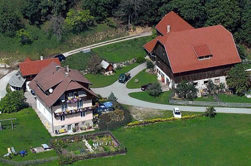 Hotellbilder: Ferienwohnung am Oberrainerhof, Arriach