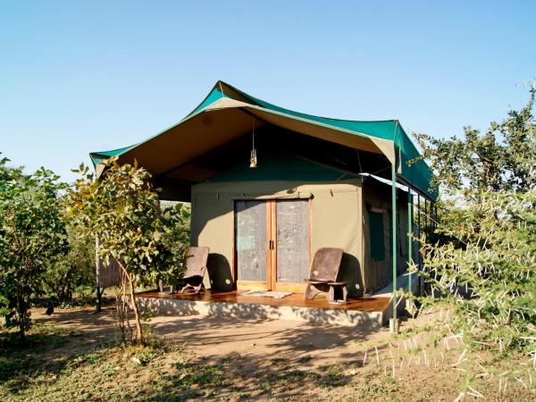 Hotel Pictures: Tilodi Safari Lodge, Kasane