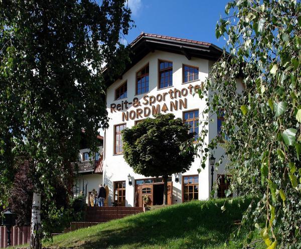 Hotelbilleder: Reit-und Sporthotel Nordmann, Stangerode