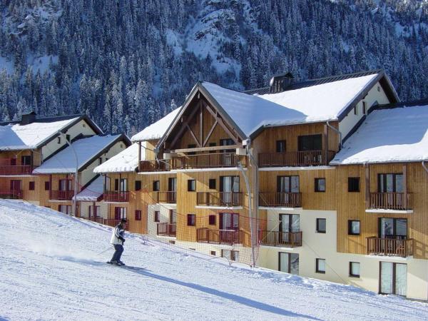 Hotel Pictures: Madame Vacances Résidence Les Chalets Du Thabor, Valfréjus