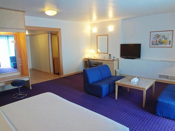 Deluxe Family Suite