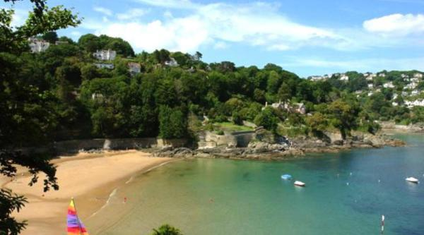 Hotel Pictures: Ferry Steps Cottage, Salcombe