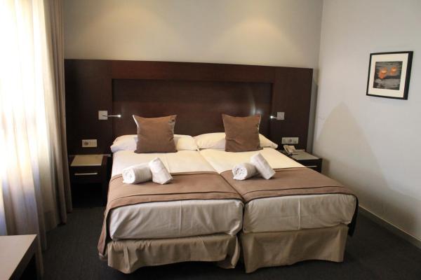 Hotel Pictures: Hotel Madanis Liceo, Hospitalet de Llobregat