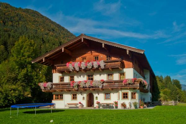 Foto Hotel: Appartements Binderhof, Kirchdorf in Tirol