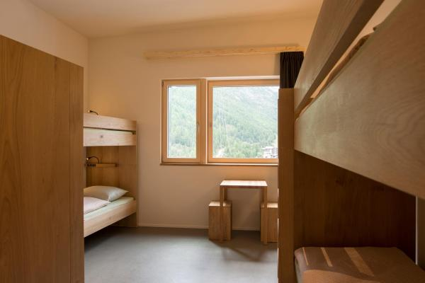 Sextuple Room with Shared Bathroom