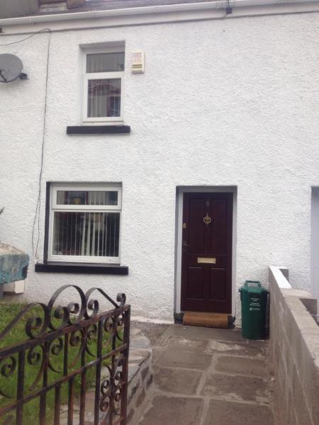 Hotel Pictures: Honeycomb Cottage, Aberdare