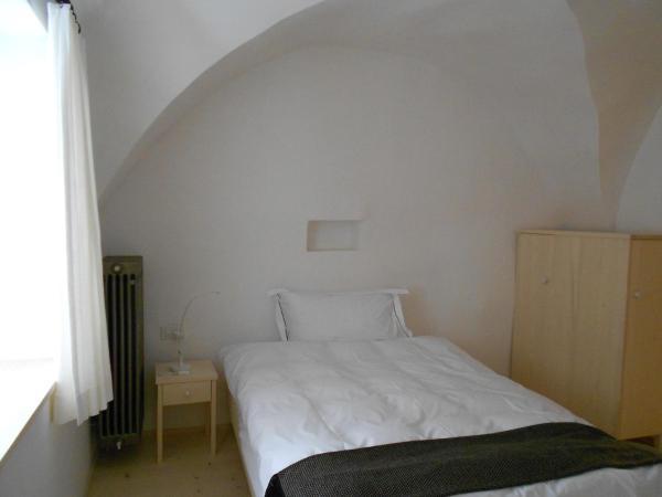 Hotel Pictures: Gasthaus am Brunnen, Valendas