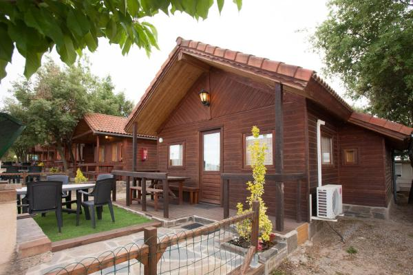 Hotel Pictures: Camping Gironella, Gironella