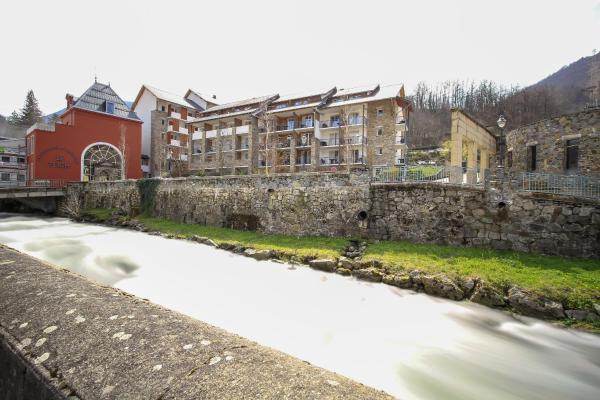 Hotel Pictures: Pierre & Vacances Les Trois Domaines, Ax-les-Thermes