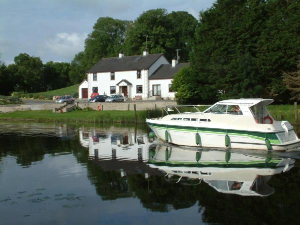 Hotel Pictures: Corrigans Shore House, Enniskillen