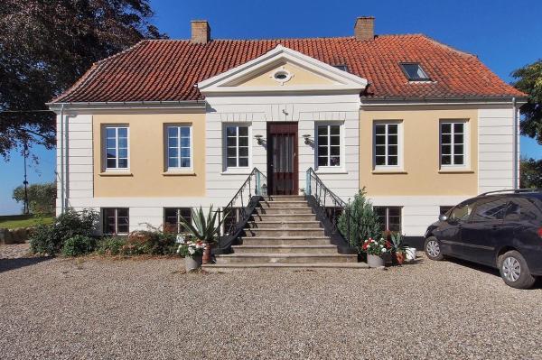Hotel Pictures: Apartment Stenbækvej I, Humble