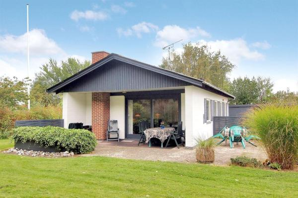 Hotel Pictures: Holiday home Antaresvej F- 218, Voldby