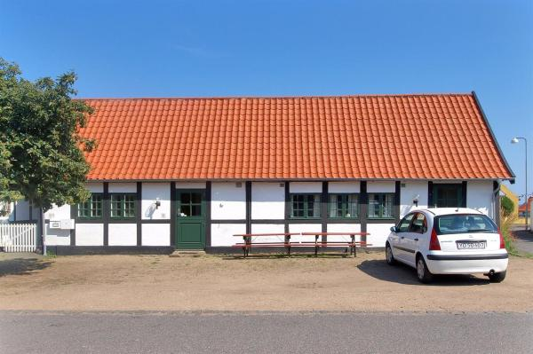 Hotel Pictures: Holiday home Gaden A- 1325, Svaneke