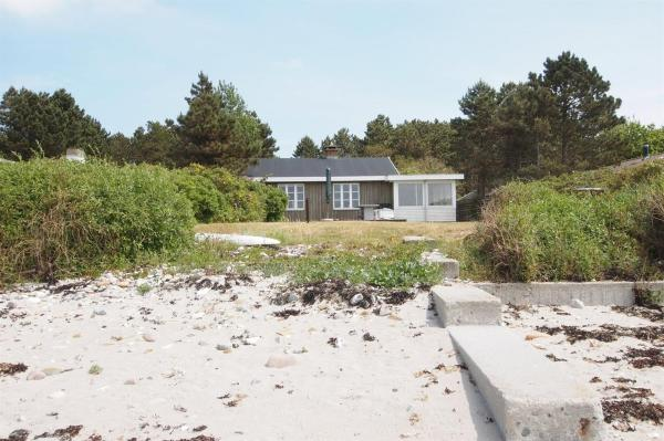 Hotel Pictures: Holiday home Hedelyngen E- 1681, Martofte