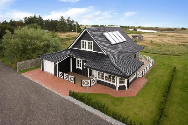Hotel Pictures: Holiday home Jens F- 2050, Hou