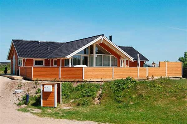 Hotel Pictures: Holiday home Lakolk H- 2628, Bolilmark