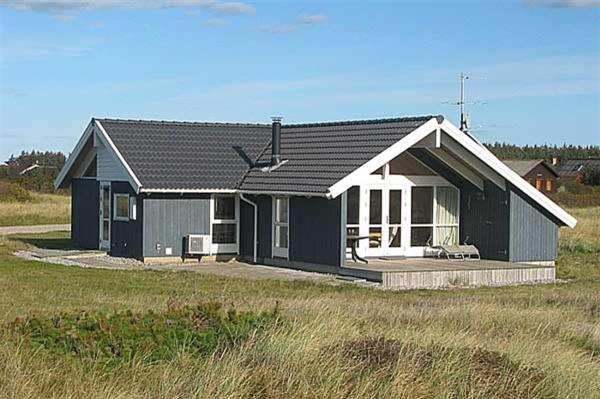 Hotel Pictures: Holiday home Merchantvej F- 2946, Harboør