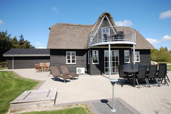 Hotel Pictures: Holiday home Sivvænget G- 4011, Stavning