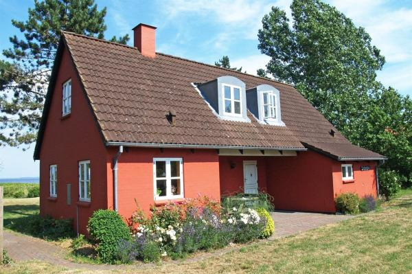 Hotel Pictures: Holiday home Stellanovavej A- 4453, Voldby
