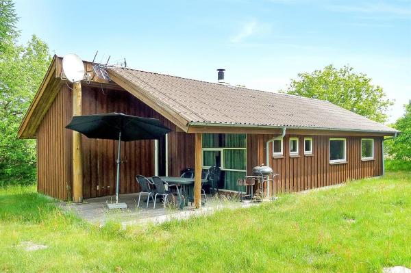 Hotel Pictures: Holiday home Skovbrynet F- 4090, Lindet