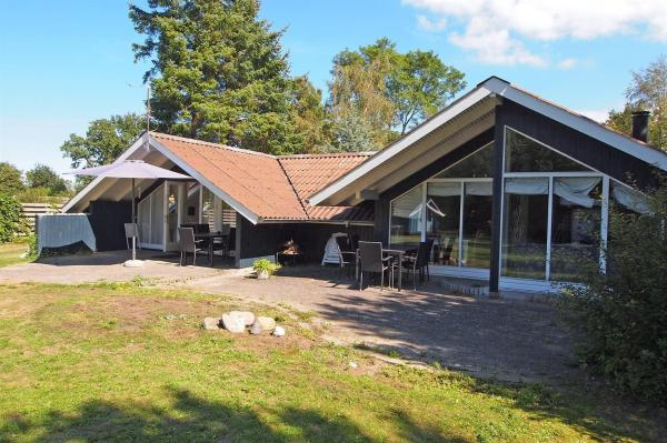 Hotel Pictures: Holiday home Spongsvej F- 4418, Odder