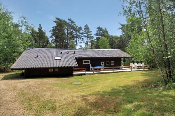 Hotel Pictures: Holiday home Skovsangervej G- 4123, Spidsegård