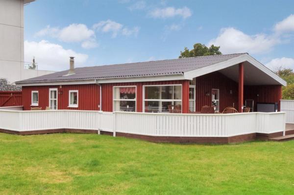 Hotel Pictures: Holiday home Skovvej H- 4148, Sæby