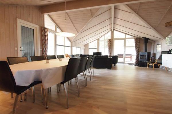 Hotel Pictures: Holiday home Udsigten F- 4962, Spodsbjerg