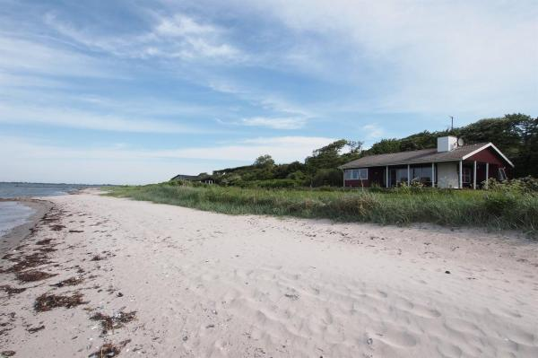 Hotel Pictures: Holiday home Ved F- 5034, Næs