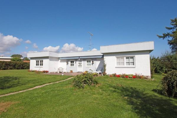 Hotel Pictures: Holiday home Violvej D- 5232, Hesselager