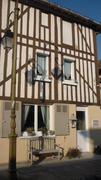 Hotel Pictures: Meublé de tourisme Le Gilliard, Chavanges