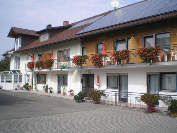 Hotel Pictures: Voglöder Hof, Bad Füssing