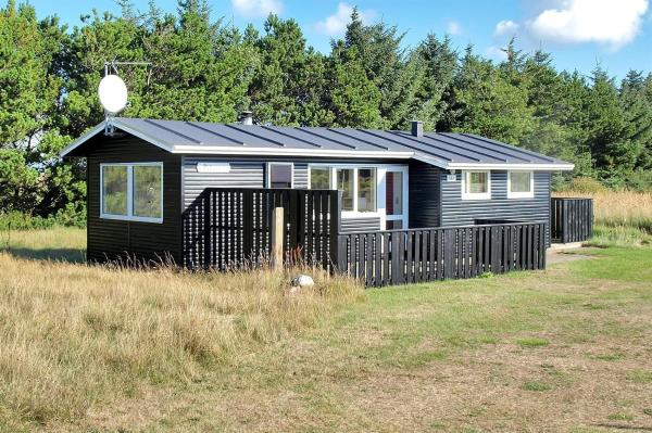 Hotel Pictures: Holiday home Tangen E- 4753, Hirtshals