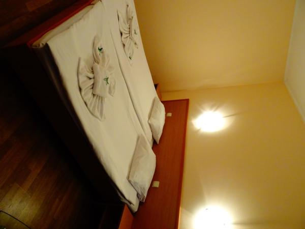 Standard Double or Twin Room (2 Adults + 1 Child)