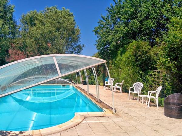 Hotel Pictures: La Grange Tranquille, Payzac