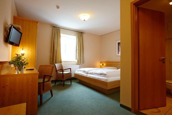Hotelbilleder: Hotel Eberl, Hattenhofen
