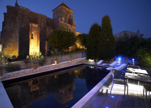 Hotel Pictures: , Saint-Sauvant