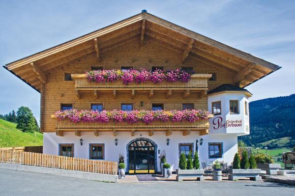 Фотографии отеля: Ferienhof Pfefferbauer, Залбах