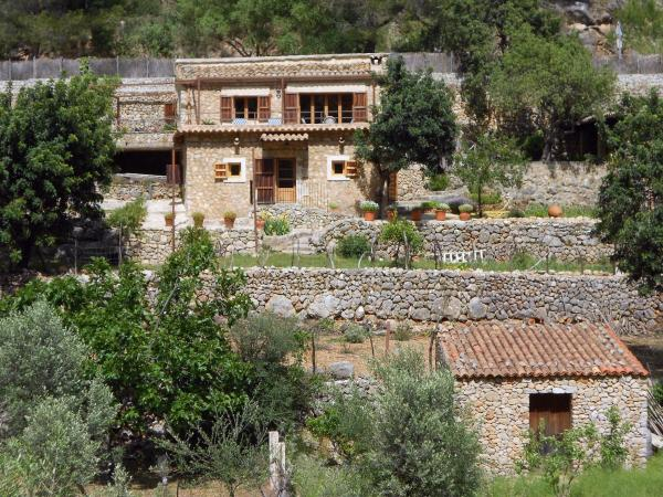Hotel Pictures: Country house Casa en Serra Tramuntana-Caimari, Caimari