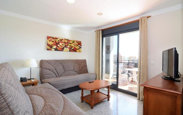 One-Bedroom Apartment with Terrace (3 Adults)