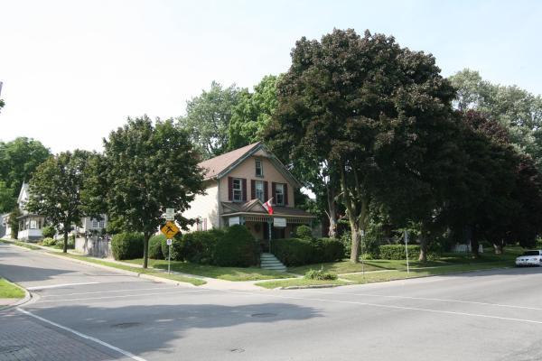 Hotel Pictures: King Orchard Inn, Brockville