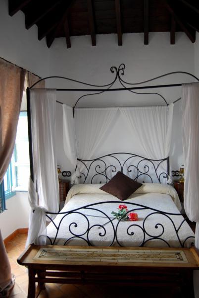 Hotel Pictures: Posada San Fernando, Carmona
