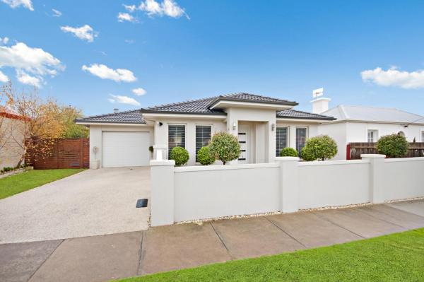 Hotellikuvia: Central Warrnambool Townhouse, Warrnambool
