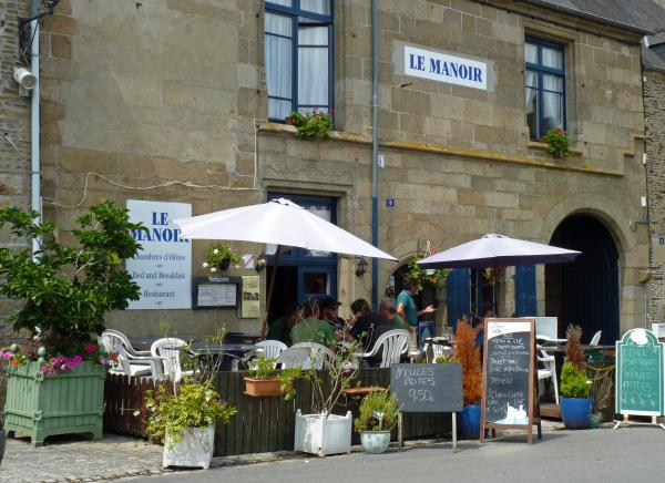 Hotel Pictures: Le Manoir, Bazouges-la-Pérouse