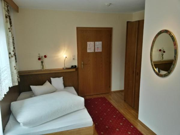 Hotellbilder: Gasthof Pension Traube, Karres